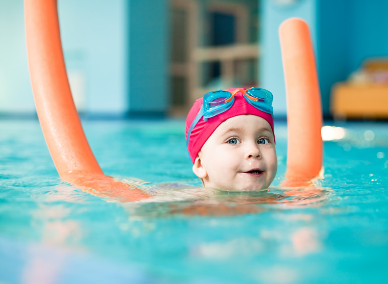 Colourbox Schwimmbad